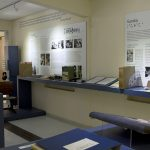 Foto do centro de Memória, expondo os painéis educação e Eureka.